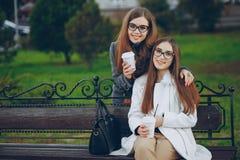 красивейшие сестры 2 стоковая фотография