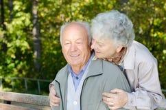 Красивейшие старшие пары стоковая фотография rf