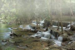 красивейшие mae kamin huai один водопад Таиланда стоковое изображение rf