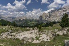 Красивейший ландшафт горы лета Доломиты Италия Стоковые Фото
