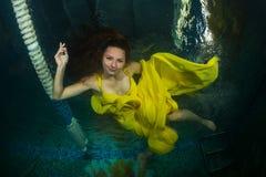 красивейший бассеин девушки Стоковая Фотография RF