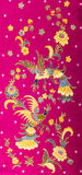 Красивейший батик картины на красной предпосылке Стоковые Изображения