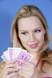 красивейший белокурый покер карточек Стоковые Изображения RF