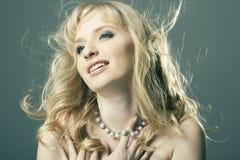 красивейший белокурый портрет волос девушки Стоковое фото RF