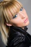 красивейший белокурый с волосами портрет Стоковое Изображение