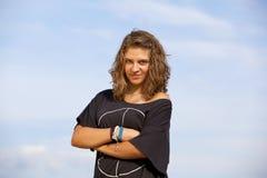 красивейший белокурый холодный усмехаться девушки подростковый Стоковое Фото