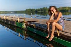 красивейший берег девушки Стоковая Фотография RF