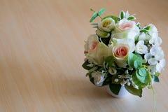 Красивейший букет искусственних цветков Стоковые Изображения