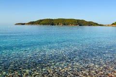 красивейший взгляд моря Штиль на море берегом Очистите Pebble Beach Адриатическое море Черногория Стоковое Фото