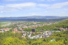 Красивейший взгляд Karlovy меняет, Чешская Республика стоковое фото rf