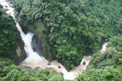 красивейший водопад yai национального парка khao Стоковые Изображения
