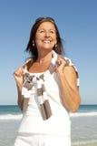 Красивейший возмужалый изолированный праздник пляжа женщины Стоковая Фотография