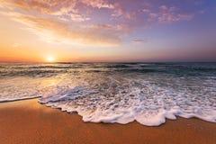 красивейший восход солнца тропический стоковое изображение rf
