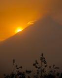 Красивейший вулкан на восходе солнца, Java Merapi, Индонезия Стоковые Фото