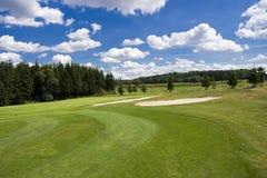 красивейший гольф прохода курса стоковая фотография