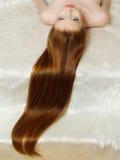 красивейший девушки волос красный цвет длиной Стоковое Фото