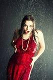 красивейший дождь девушки вниз Стоковое фото RF