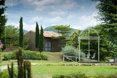 Красивейший дом в саде Стоковая Фотография RF