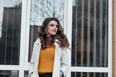 красивейший девушки портрет outdoors Стоковые Изображения RF