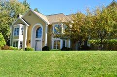 Красивейший желтый дом Стоковое Изображение RF