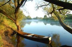 красивейший желтый цвет реки шлюпки Стоковая Фотография RF