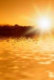 красивейший заход солнца гор стоковые изображения rf