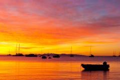 Красивейший заход солнца на море Стоковые Фото