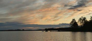 Красивейший заход солнца на озере Стоковые Фото