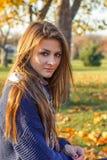 красивейший заход солнца девушки Стоковое Фото