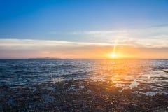 красивейший заход солнца моря стоковые фото