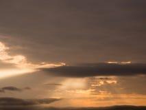 красивейший заход солнца неба заволакивает заход солнца Стоковые Изображения