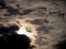 красивейший заход солнца неба заволакивает заход солнца Стоковое Изображение