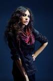красивейший зацветенный шарф портрета повелительницы Стоковая Фотография RF
