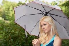 красивейший зонтик девушки Стоковые Фотографии RF