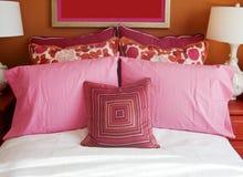 красивейший интерьер конструкции спальни стоковое фото rf