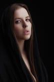 красивейший коричневый выразительный hazel волос девушки глаз Стоковая Фотография RF