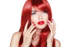 красивейший красный цвет волос девушки Длинный блеск прямых волос с излечивает Стоковые Фото