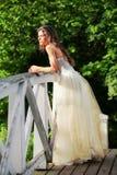 красивейший мост невесты деревянный Стоковые Изображения