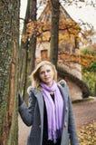 красивейший парк девушки Стоковые Изображения