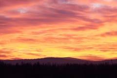 красивейший пасмурный заход солнца стоковое фото