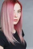 красивейший пинк волос девушки Стоковые Фото