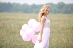 красивейший пинк девушки платья Стоковые Изображения RF