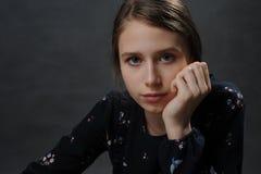 красивейший подросток девушки Портрет студии стоковая фотография