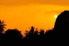Красивейший померанцовый заход солнца Стоковые Фотографии RF