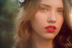 красивейший портрет близкой девушки вверх стоковые изображения