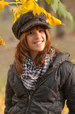 красивейший представлять парка девушки подростковый Стоковая Фотография RF