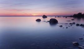 красивейший прибрежный заход солнца Стоковые Изображения