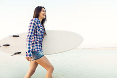красивейший серфер девушки Стоковые Изображения