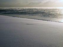 красивейший снежок берега озера Стоковые Фотографии RF