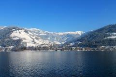 красивейший снежок катания на лыжах ландшафта назначения Стоковое фото RF
